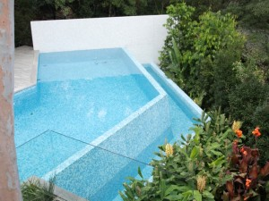 Kew – Pool & Garden